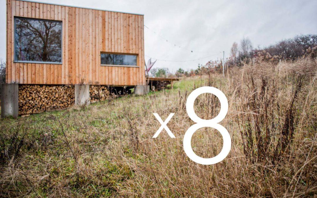 8 domów